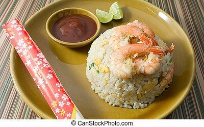 delicioso, camarón, arroz frito, en, un, placa