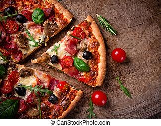 delicioso, italiano, pizza, servido, en, tabla de madera