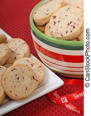Delicious cranberry and pecan shortbread cookies - Delicious...