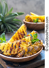 Grilled pineapple slices - Delicious Grilled pineapple ...
