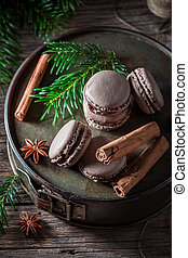 Delicious macaroons for Christmas with cinnamon and spruce