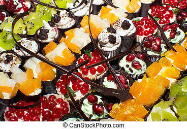delicious miniature cakes catering