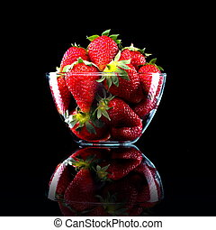 Delicious strawberries in a bowl