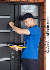 Delivery guy knocking on door - Delivery man with clipboard ...