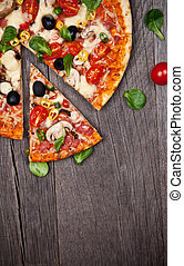 delizioso, italiano, pizza, servito, su, tavola legno