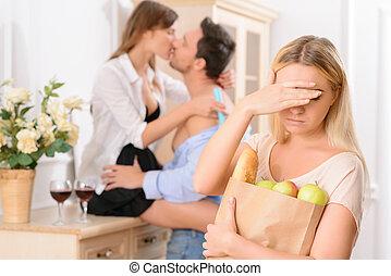 deluso, donna, vede, lei, marito, commiting, adulterio