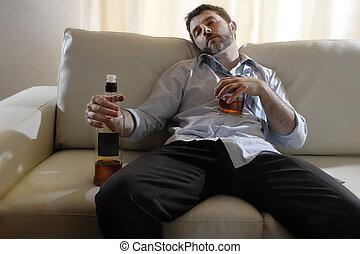 demacrado, botella, borracho, hombre, alcoholismo, whisky, empresa / negocio