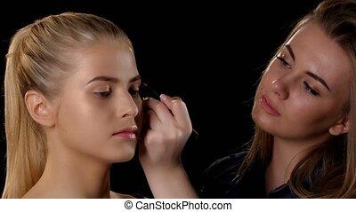 demande, artiste, maquillage, jeune, girl., closeup, blond, black.