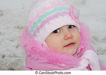 den, flicka, barn, med, a, scarf, in, vinter, stående