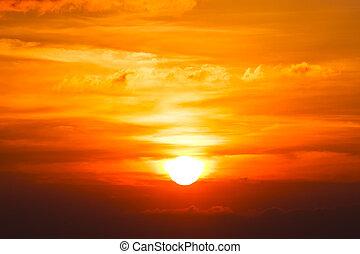 den geniale, orange solopgang, hen, skyer