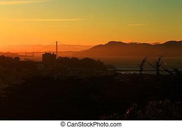den, gylden låge, solnedgang