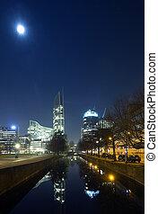 Den Haag Skyline - The imposing skyline of Den Haag at night