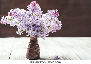 den, vacker, lila, på, trä, bakgrund.
