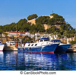 denia, puerto, con, colina castillo, provincia de alicante, españa