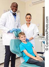 dentaal, team, met, weinig; niet zo(veel), patiënt