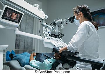 dental, klinik, tandläkare, kvinna, kirurgi, märken