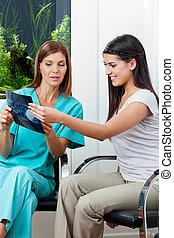 dentaler patient, zahnarzt, röntgenaufnahme