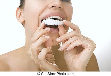 dentes, whitening, -, menina sorridente, com, dente, bandeja
