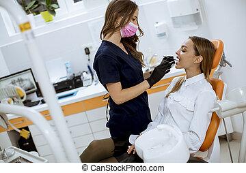 dentiste, patinet, bureau, oral, jeune, vérification, femme