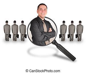 dentro, uso, uomini, affari, vantaggio, ricerca, candidato, concept., là, girato, esso, o, lavoro, altro, vetro., promozione, impiegato, sorridente, standing., ingrandendo, uomo