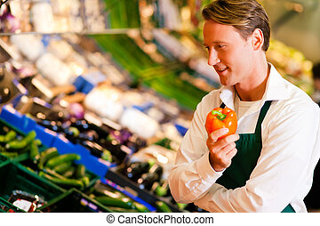 dependiente, supermercado, hombre