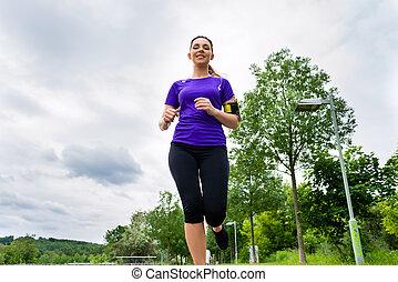 deportes, al aire libre, -, mujer joven, corriente, en el estacionamiento