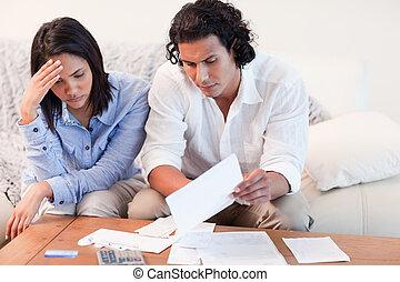 deprimido, financiero, pareja, problemas, sobre