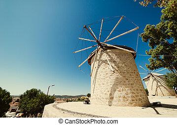 der, m�dchen, neben, der, altes , windmühle
