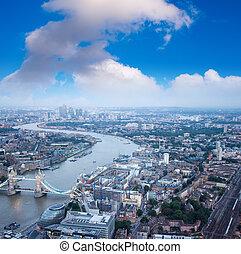 der, ragen brücke hoch, und, london, skyline, nacht