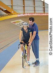 der, zuerst fahrrad, training