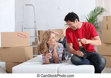 deras, soffa, par, säng, fira, nytt hem, champagne, obäddad...