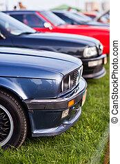 derecho, frente, vista lateral, de, negro, viejo, coche