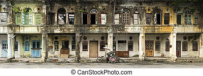 Derelict Heritage Houses, George Town, Penang, Malaysia -...
