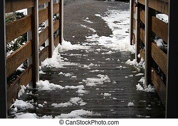 derretimiento, nieve, en, rampa de impedimento, cierre