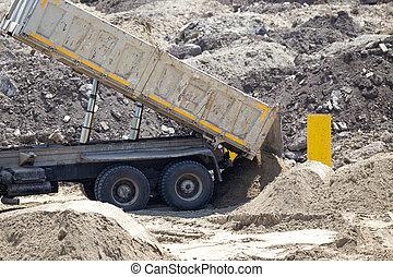 derrubar, caminhão, em, local construção