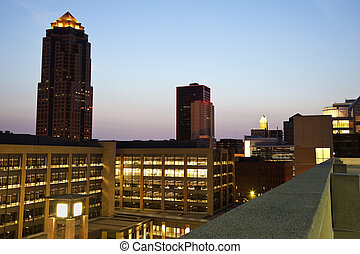 Des Moines before sunrise - Downtown of Des Moines, Iowa ...
