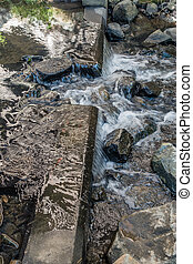 Des Moines Creek Closeup - Closeup of rushing water in Des ...