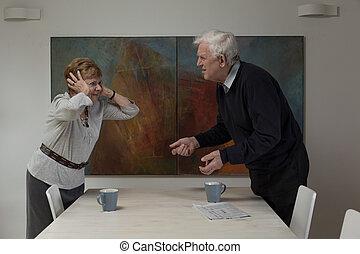 desacordo, entre, idoso, esposos
