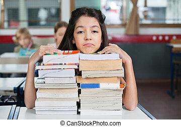 descansar, apilado, triste, libros, barbilla, escritorio,...