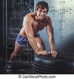 descansar, entrenamiento, concepto, deportivo, ataque, sportswoman., cámara, entrenamiento, después, ejercitar, aumentar, mirar, lifestyle., fuerza, potencia, condición física, neumático, empujón, deporte, crossfit, hombre