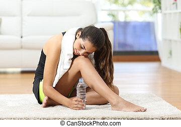 descansar, mulher, cansadas, após, condicão física, desporto
