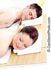 descansar, par, tabela massagem, caucasiano, mentindo