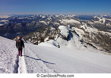 """descent from the summit of the mountain """"big paradise"""""""