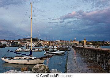 Desenzano del Garda view toward marina and city