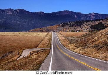 Desert high way - High way in Arizona near Lake Havasu area