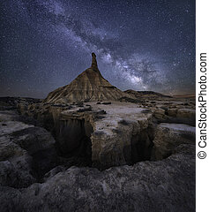 Desert milky way - Milky way over the desert of Bardenas ...