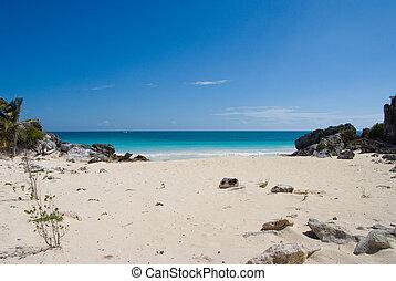 desertado, praia