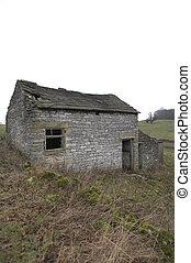 Deserted farmhouse, Youlgreave, Peak District National Park...