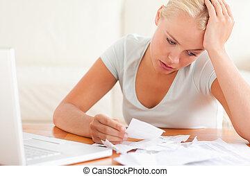 desesperado, mujer, contabilidad