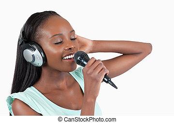 desfruta, mulher, cantando, jovem
